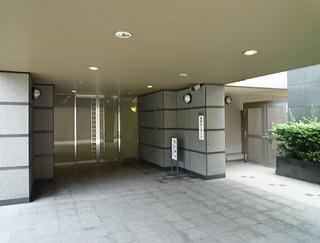 駒込パークハウスのエントランス写真になります
