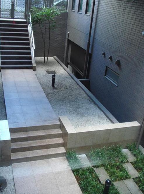 グランフォルム池田山 中庭