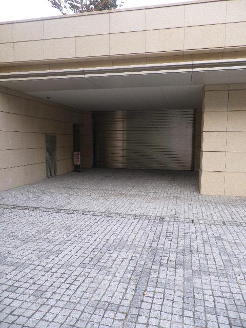 プライムメゾン御殿山 駐車場