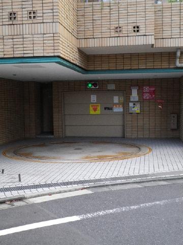 ファミールグラン恵比寿 駐車場