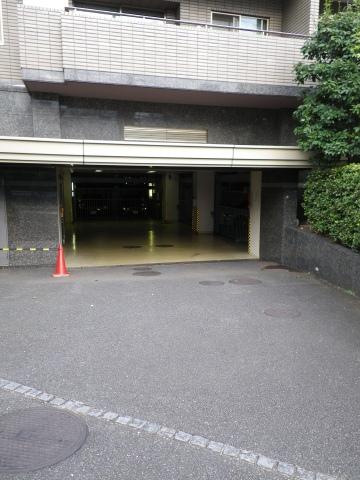 目黒花房山パークハウス 駐車場