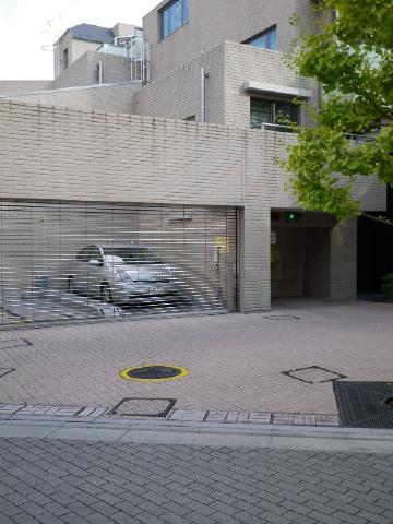 目黒花房山プレイス 駐車場