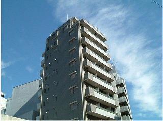 アンベリール新宿の外観・共用部の画像です