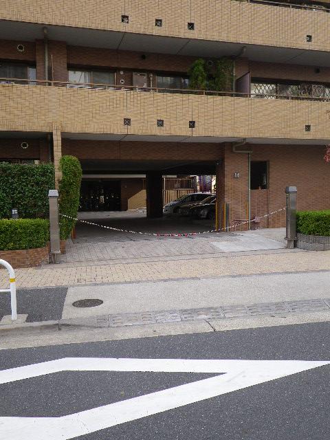 藤和シティホームズ池田山 駐車場