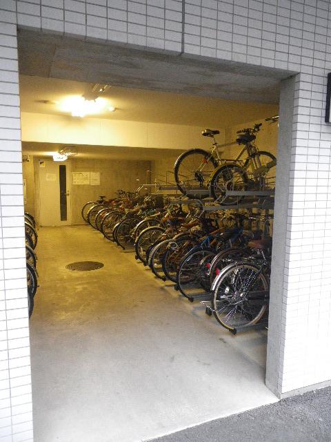 パークアクシス浜松町 駐輪場