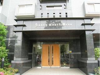 サニーコート上野の外観です。