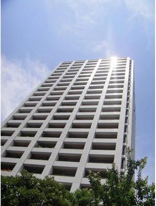 西戸山タワーホウムズノースタワーの外観写真です。
