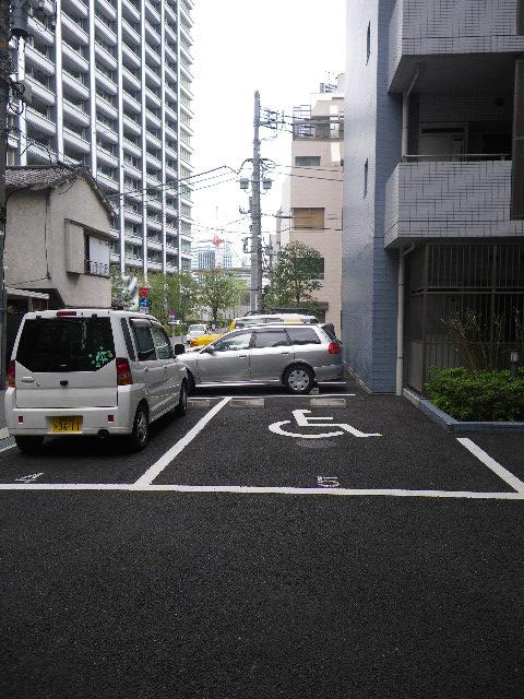 パークアクシス浜松町 駐車場